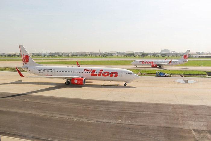 Aviones de Thai Lion Air en el aeropuerto de Suvarnabhumi