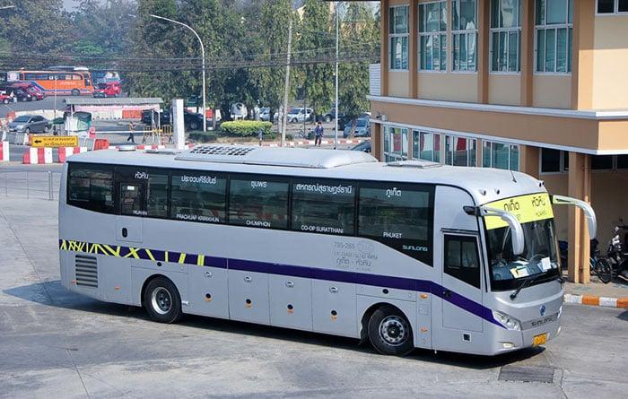 Autobús de camino a Phuket