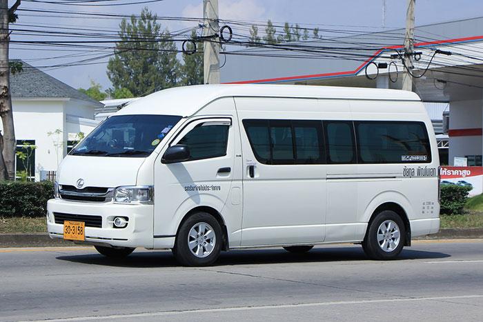 Minibús o minivan, como se suelen llamar en Tailandia.