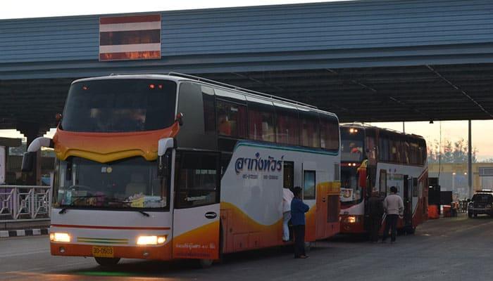 Autobús directo de Bangkok a Vientián