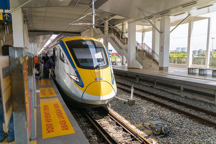 Tren de alta velocidad ETS operado por KTM en Penang.