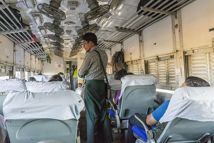 El tren de Mandalay a Bagan