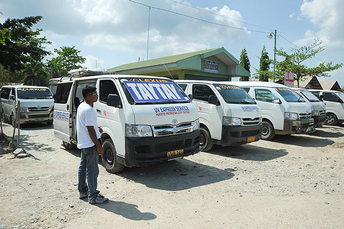 Furgoneta de Puerto Princesa a El Nido
