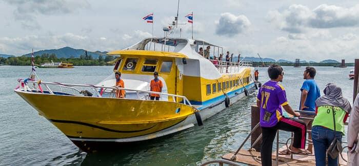 Ferry de alta velocidad de Phuket a Koh Lanta