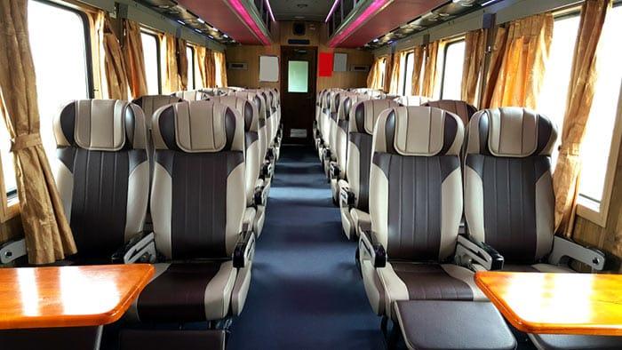Clases en los trenes de Vietnam