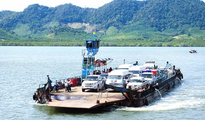 De Ao Nang a Koh Lanta en el ferry para vehículos