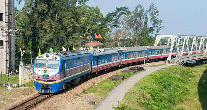 Tren de Ninh Binh a Hue