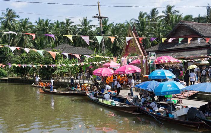 Mercado flotante Pra Cha Rat