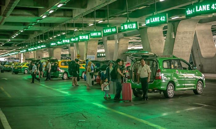 Del Aeropuerto de Suvarnabhumi a Bangkok en taxi