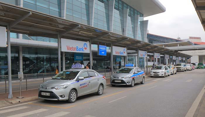 Del Aeropuerto de Hanói a la ciudad en taxi