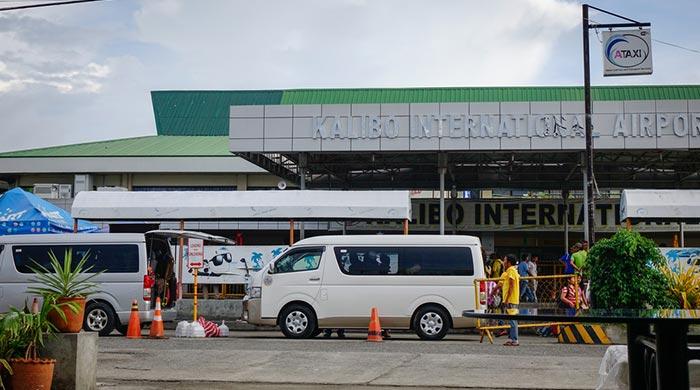 De Kalibo a Boracay en autobús y ferry